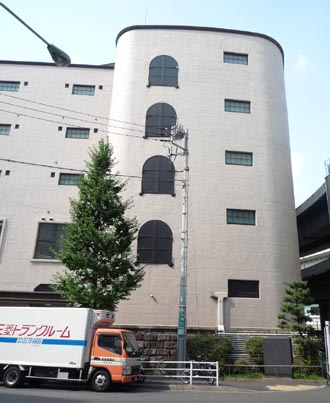 三菱倉庫外観④.