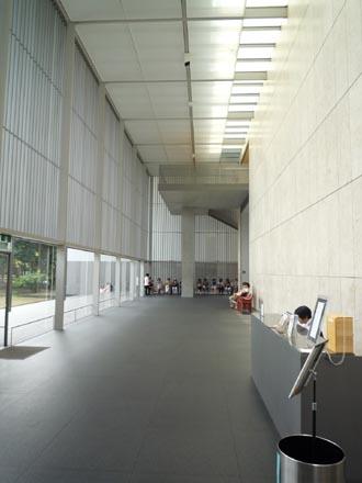 法隆寺法物館ホール②.