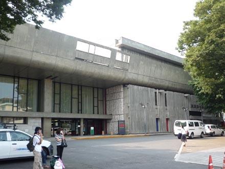 東京文化会館外観②.