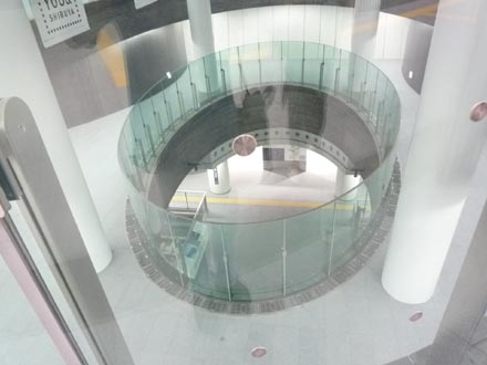 副都心線渋谷駅吹抜け2