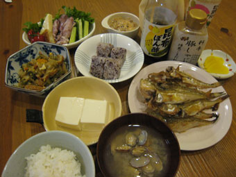 ハタハタ塩焼き 白菜煮 サラダ 湯豆腐