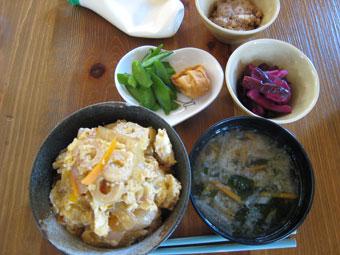 丼 お味噌汁 納豆