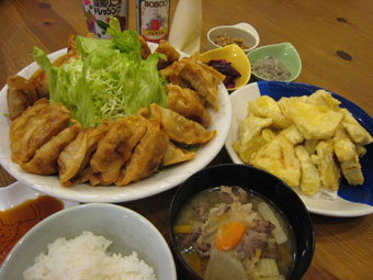 揚げ餃子 しし汁 お芋の天ぷら じゃこ