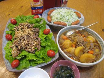 肉じゃが お肉とエノキの炒め物 サラダ