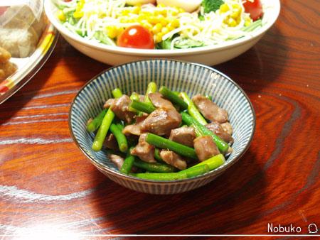 砂肝とニンニクの芽の炒め物