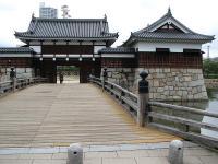 広島城・二の丸御門橋と表御門