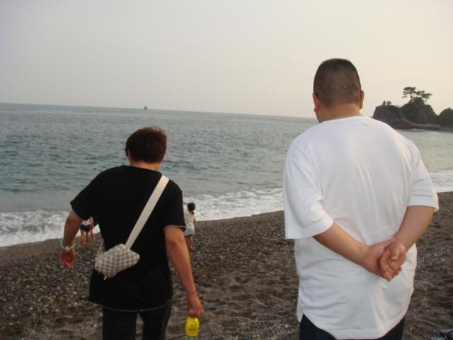桂浜ノブと私後ろ