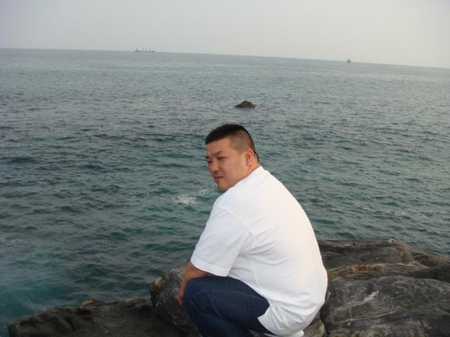 桂浜ノブ石の上