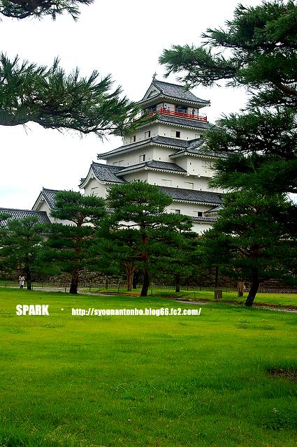 鶴ヶ城です