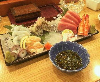 お寿司屋さんの刺身の盛合わせ