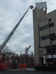 はしご車の救助訓練