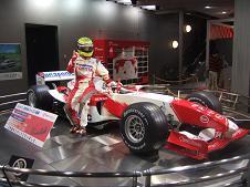 F1カーの展示