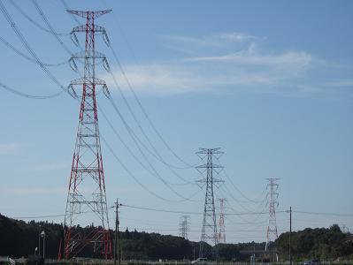 巨大な送電線