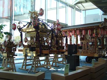 祇園祭の山車や神輿