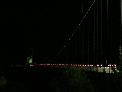 幻想的な大吊橋