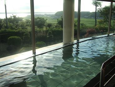内湯からの北浦の眺望