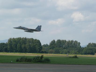 F15戦闘機の離陸