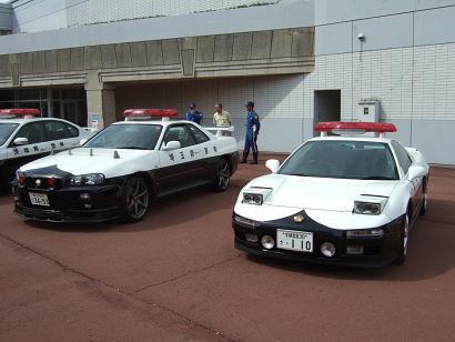 スカイラインGTRとNSXのパトカーの展示