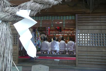 愛宕山神社拝殿での御祈願