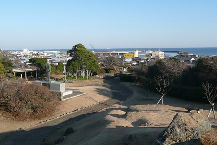 公園山頂から望む那珂湊港