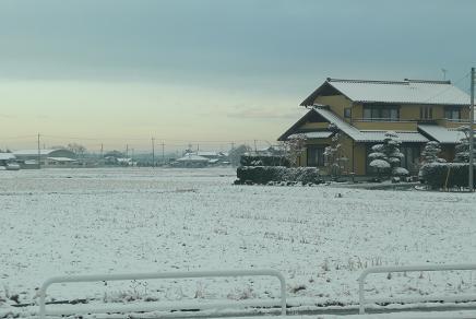 今朝の通勤途中の雪景色