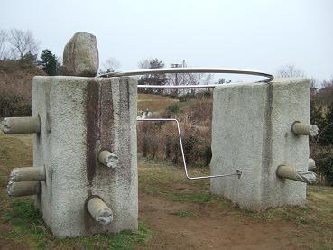 石像の遊具