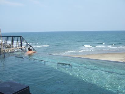 太平洋と一体となれる露天風呂