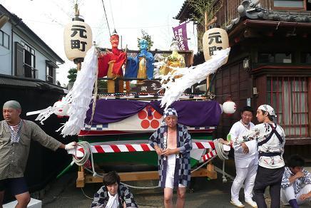 元町のあやつり式の彌勒人形