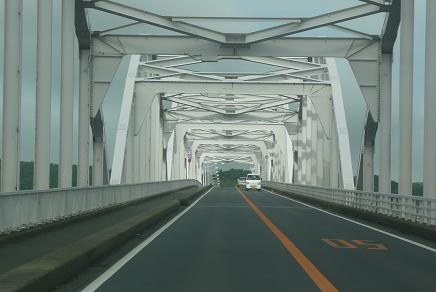 北浦大橋を走行するおやじ