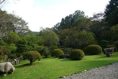 整備された日本庭園