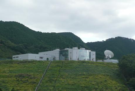 航空衛星センター裏側