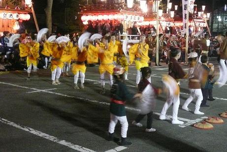 山車の踊り