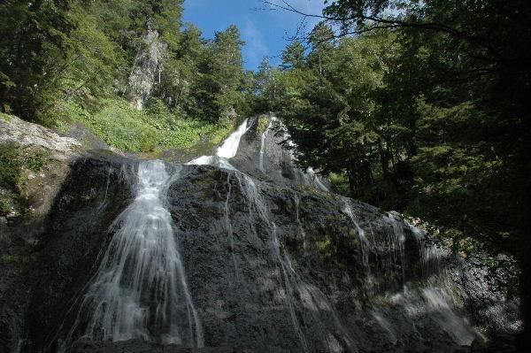 三本滝の一つ「黒沢の滝」