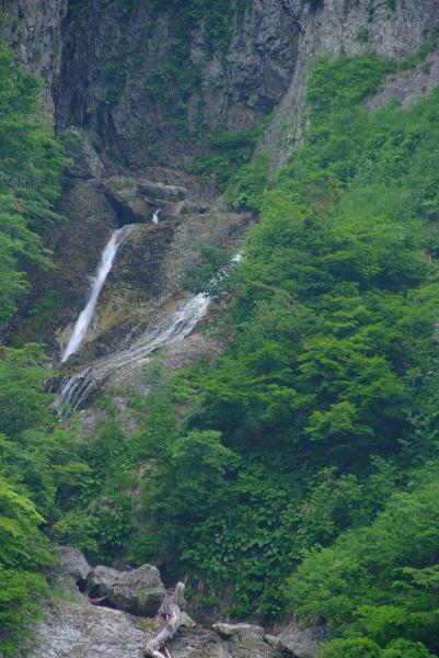 上部の滝・・・水量があればすばらしい滝でしょうね