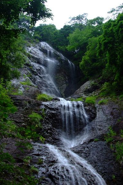 神社からの七種の滝