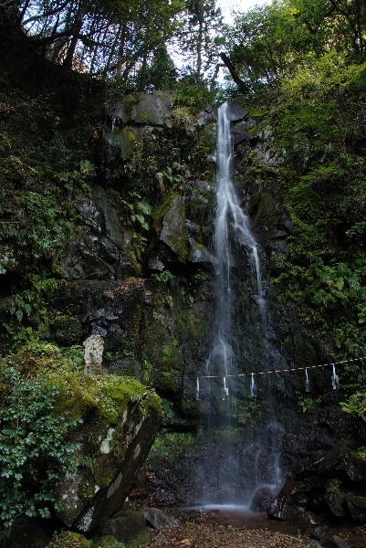 青谷不動の滝・・全景
