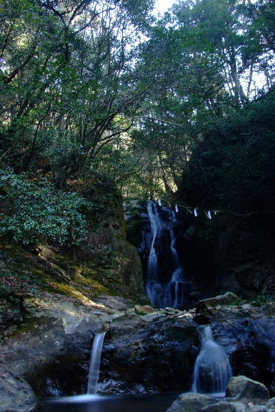深谷の滝・・・こちらも水が少ない(涙)