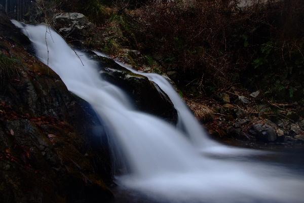 鉈取淵の滝と間違えた渓流
