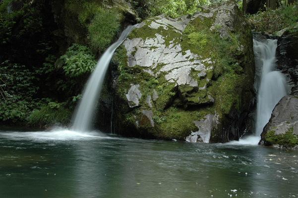 雌滝・・・ こちらも滝つぼ広いですよ・・・
