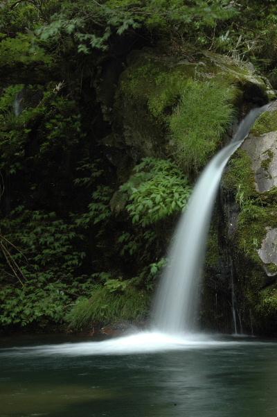 左の滝・・・
