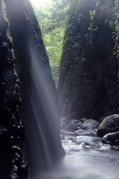 この水と光の空間がなんとも言いがたいです