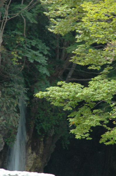 竜宮岩の滝・・かな?
