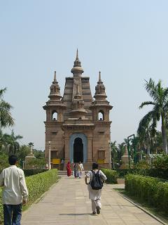 仏陀の歩いた道1・ムルガンダ・クティー寺院