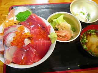 岩山海 海鮮丼