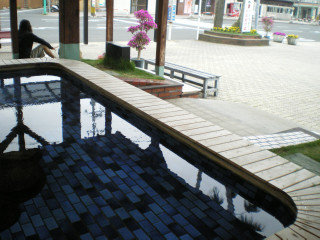 指宿駅前の足湯2