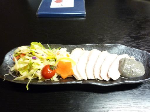 蒸し鶏の胡麻タルタルソースかけ