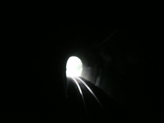 トンネルに入るとね