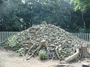 王墓の古石積