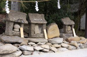 犬・猿・雉の墓