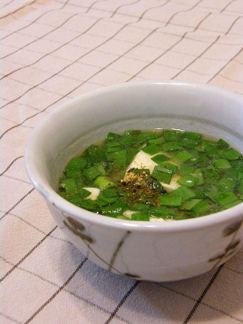 ニラと豆腐のお汁
